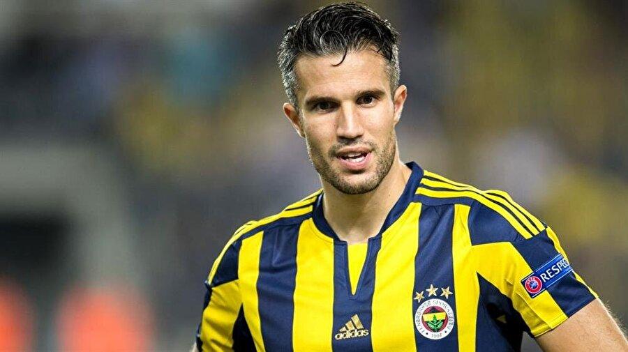 Van Persie'ye büyük onur Fenerbahçe'de en çok tartışılan isimlerinden biri olan Robin van Persie'ye büyük onur. Premier Lig'in 25 yıllık tarihinde atılan en güzel golün sahibi unvanını Robin van Persie aldı.