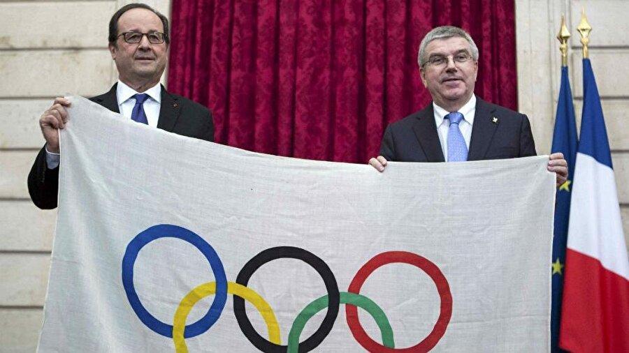 """Fransa, 2024 için garanti verdi 2024 Olimpiyat Oyunları'na ev sahipliği yapmak isteyen Fransa, güvenlik konusunda güvence verdi. Terör olaylarına karşı güvence veren Fransa Cumhurbaşkanı François Hollande """"Yakın geçmişte düzenlenen Euro 2016'da olduğu gibi Fransa büyük organizasyonlara ev sahipliği yapabiliyor. Geçen yıllarda organize ettiğimiz değişik spor dallarında 40 dünya ve Avrupa organizasyonun bir listesini yaptık. Büyük organizasyonlar için maharetimiz ve teknolojimiz var, ayrıca uygun güvenliği de sağlayabiliriz"""" dedi."""