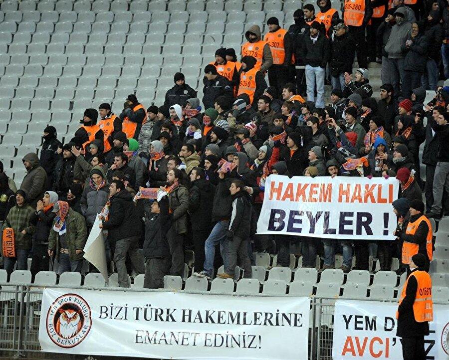 Türk hakemlerini hep korudular