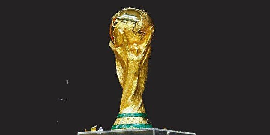Dün gece alınan sonuçlar; Dünya Kupası Avrupa Elemeleri C Grubu  Çek Cumhuriyeti-Azerbaycan: 0-0 Almanya-Kuzey İrlanda: 2-0 Norveç-San Marino: 4-1   E Grubu Kazakistan-Romanya: 0-0 Danimarka-Karadağ: 0-1 Polonya-Ermenistan: 2-1   F Grubu Litvanya-Malta: 2-0 Slovakya-İskoçya: 3-0 Slovenya-İngiltere: 0-0   Asya Elemeleri A Grubu Özbekistan-Çin: 2-0 İran-Güney Kore: 1-0 Katar-Suriye: 1-0   B Grubu Avustralya-Japonya: 1-1 Irak-Tayland: 4-0 Suudi Arabistan-Birleşik Arap Emirlikleri: 3-0