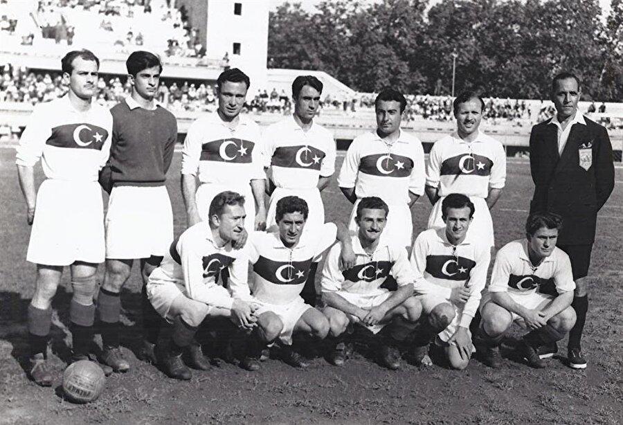 1950 Dünya Kupası                                      A Milli Takım ilk kez 1950 yılında Dünya Kupası'na katılmaya hak kazandı. Ancak Brezilya'da düzenlenen şampiyonaya Türkiye maddi sıkıntılar nedeniyle katılamadı.