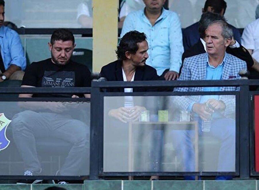 Geçen hafta görüştüler Tuncay Şanlı ile görüştüklerini söyleyen başkan İsmail Gürses, ünlü futbolcunun kararını beklediklerini vurguladı. İsmail Gürses, Tuncay Şanlı ve Nihat Kahveci geçen hafta Sakaryaspor'un Sancaktepe Belediyespor'u 3-0 mağlup ettiği maçı birlikte izlemişlerdi.