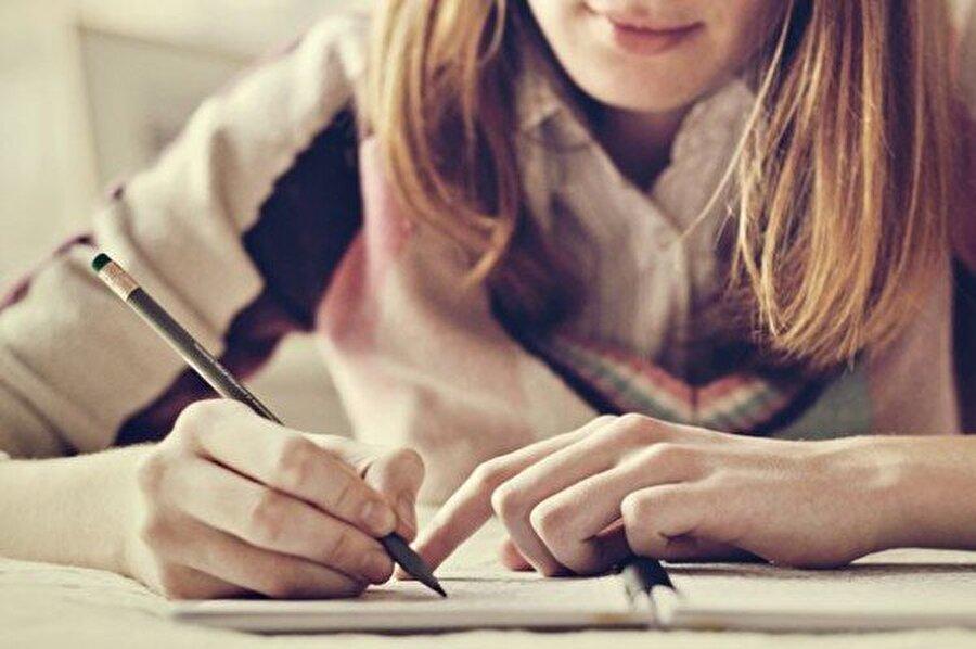Bir şeyler karalamayı deneyin Yazmak, zamanı ileri almanın ve değişimin en etkili yollarındandır.