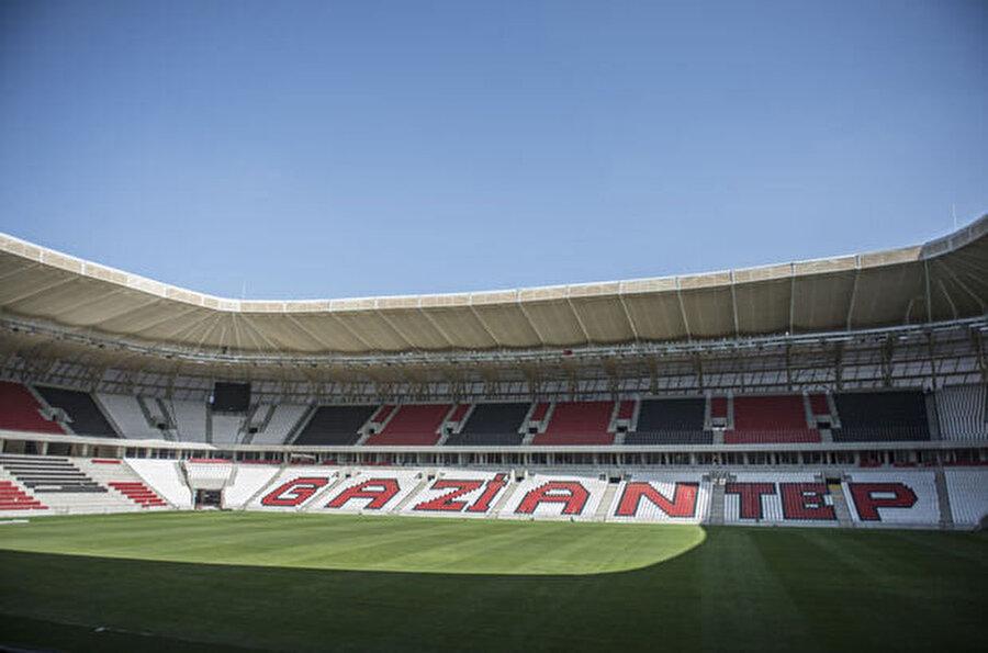 Gaziantepspor                                      Gaziantepspor'un maçlarını oynayacağı Gaziantep Arena'da inşaat çalışmaları tamamlanmak üzere. Stadın önümüzdeki günlerde açılması bekleniyor.