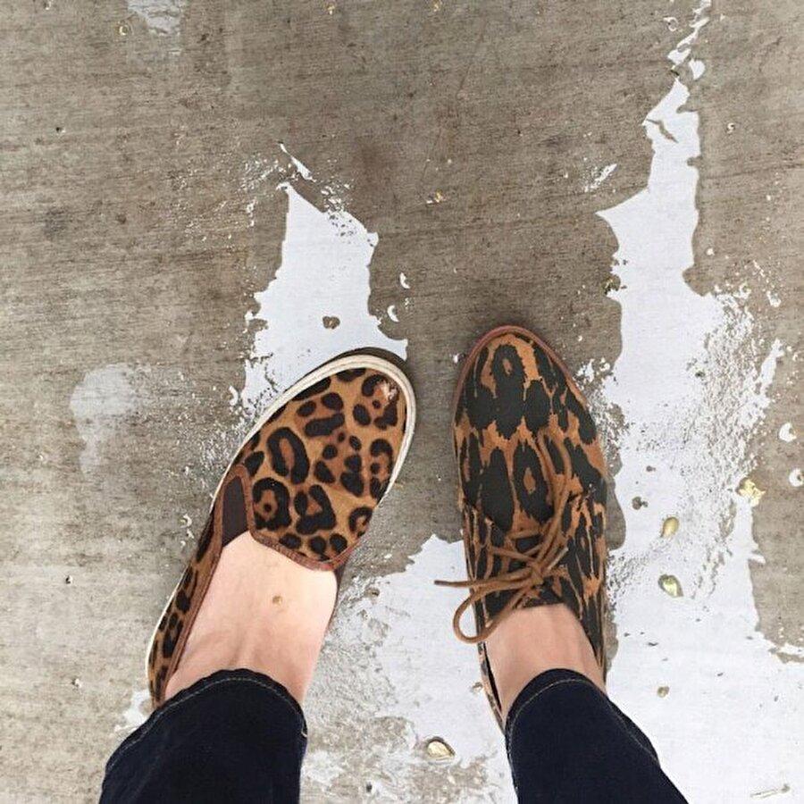 """Bellessa """"Dürüst olmak gerekirse, oğlum bunların farklı ayakkabılar olduğunu anlayamamıştır"""" diye konuştu. Bellessa'nın fotoğrafları sosyal medyadan yayınlamasının ardından, birçok kadın da aynı deneyimi yaşamak için kolları sıvadı."""