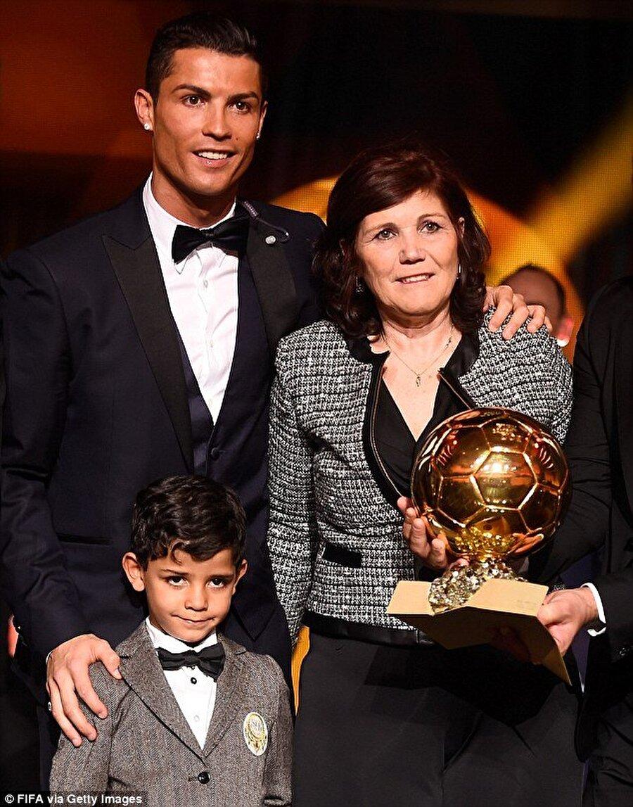 Cristiano Ronaldo / Maria Dolores dos Santos Aveiro