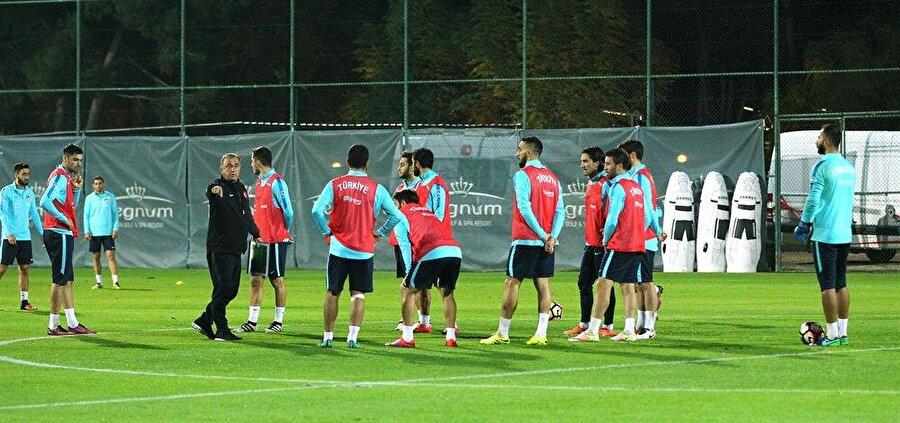 Maç Antalya'da Antalya Arena'da oynanacak mücadele saat 20.00'de başlayacak.