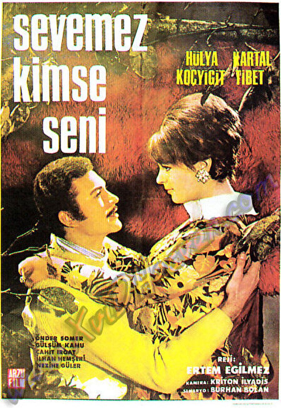 Aşk filmleri                                                                            Bu filmler dönemin romantik-komedi türüne hizmet ediyordu. Oyuncuları ise; Kartal Tibet ve Hülya Koçyiğit oluyordu. Kuşkusuz sadece bu ikili ile bir aşk filmi çekilmedi fakat bu filmler tüm o geniş kadroyu her zaman içerisinde tutmadığı için bir adım önde oldu.