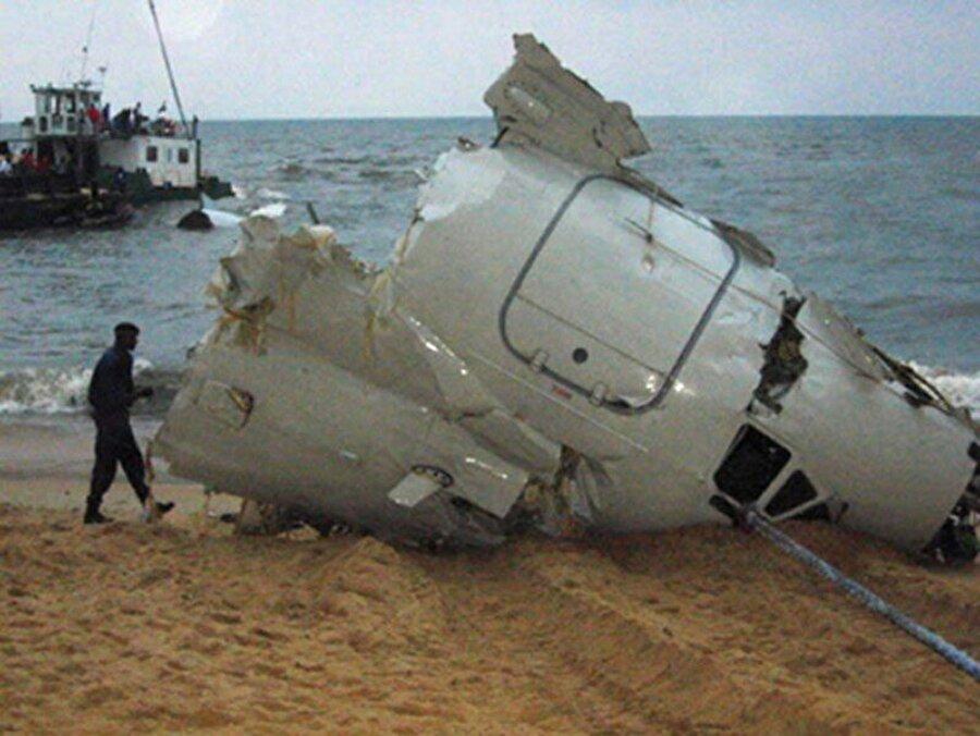 Libreville - 1993 Afrika futbolunun en acı günlerinin başında 27 Nisan 1993'te Gabon'un Libreville şehrinde gerçekleşen uçak kazası yerini alıyor. 27 Nisan 1993'te Senegal ile deplasmanda Dünya Kupası elemesi oynamak üzere yola çıkmıştılar. Gabon yakınlarında uçak düştü. 18'i futbolcu 25 kişi yaşamlarını yitirdi.
