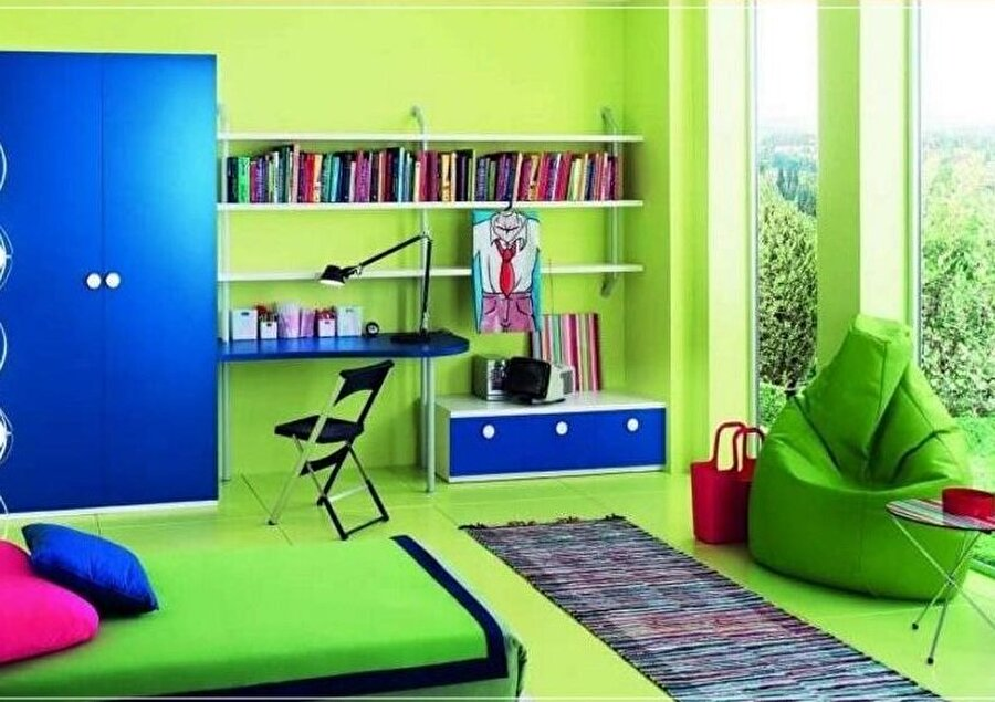 Soğuk renkler sakinleştirir                                      Yeşil: Dengeleyici ve sakinleştirici bir renktir. Mavi: Yeşil gibi sakinleştirici bir renktir ve uykuya dalmayı kolaylaştırır.  Menekşe Rengi: Sakinleştirici ve huzur verici bir renktir.