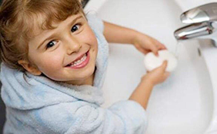 Temizliğe dikkat!                                                                                                                Özellikle okul dönemi çocuklara hijyen eğitimi verilmesi oldukça önemli; aksi halde onları hastalıklardan korumak mümkün olmayacaktır.