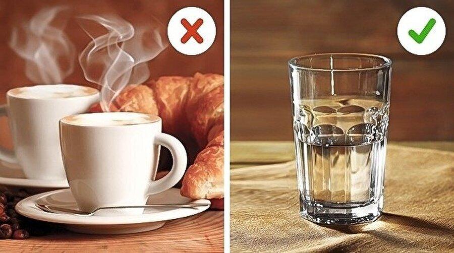 Sıcak şeyler içmeyin                                                                           Dışarı çıkmadan en az yarım saat öncesinde sıcak bir şeyler içmeyi bırakın.