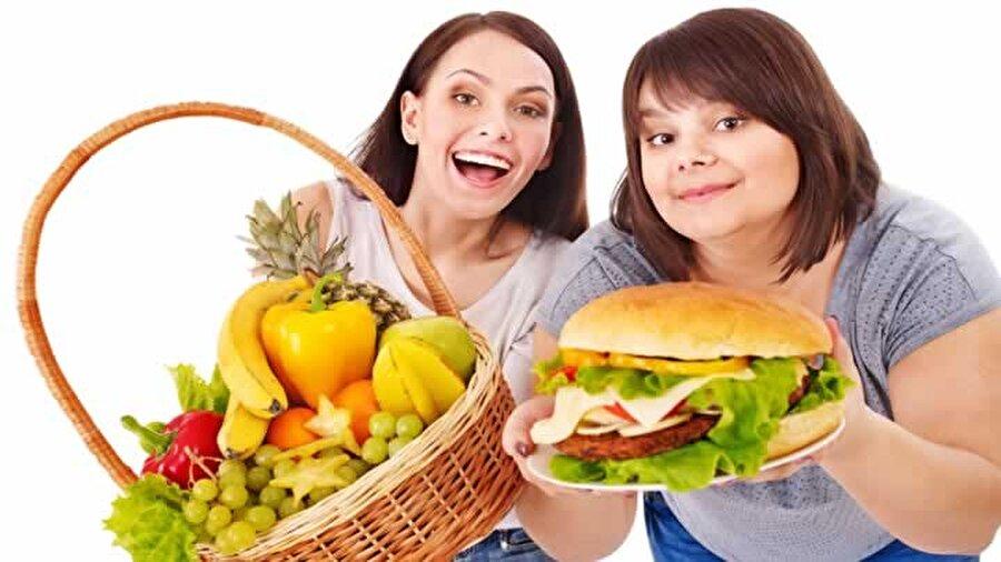 Kahvaltı ve öğle yemeği arasında yediklerinize dikkat!                                      Özellikle bu arada katı ve kalorili yiyecekler tüketmemeye özen gösterin.