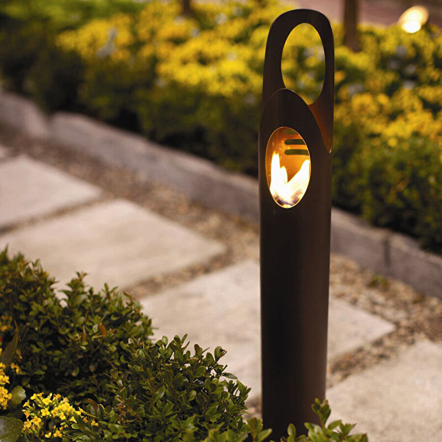 En şık ateş kolonları                                                                                                                                                     Sıcaklığıyla içinizi ısıtıp aynı zamanda aydınlatma özelliği olan bu ateş kolonları da oldukça şık ve gösterişli.