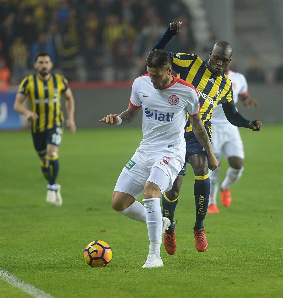 Tümer Metin                                                                           Futbol adına çok üzgünüm, muhteşem bir gol gitti. Ama karar doğru, faul