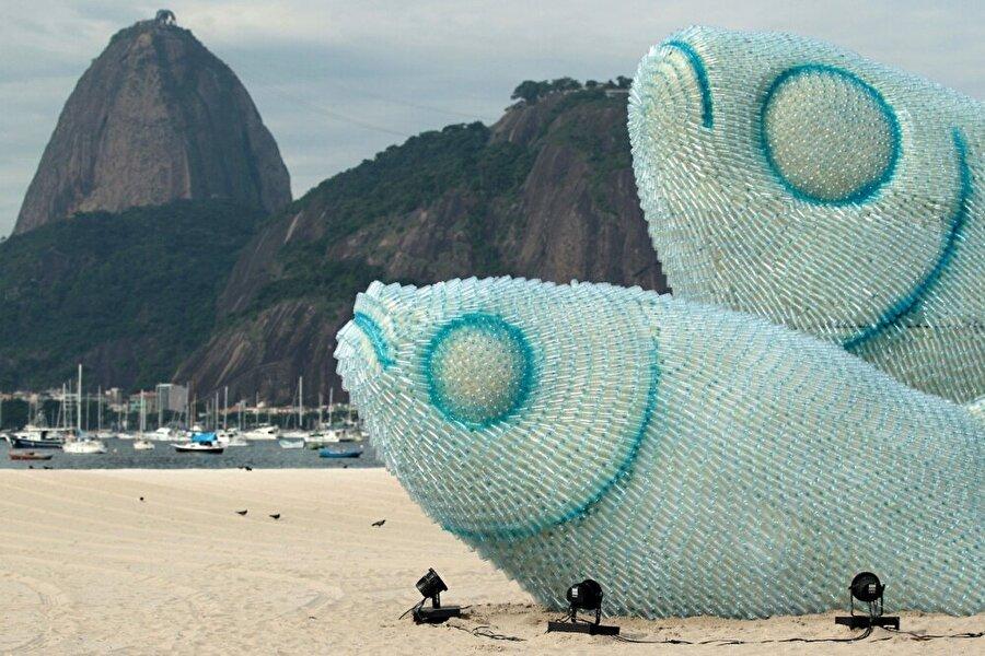 Pet şişelerden yapılan heykel / Rio de Janeiro