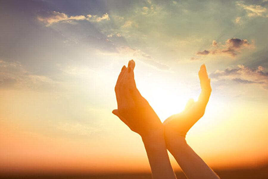 Güneş ışığı önemli                                      Hamilelik döneminde annelerin güneş ışığından yeterince yararlanmasının yanı sıra, doktor tavsiyeleri doğrultusunda vitamin kullanmaları da gerekiyor.