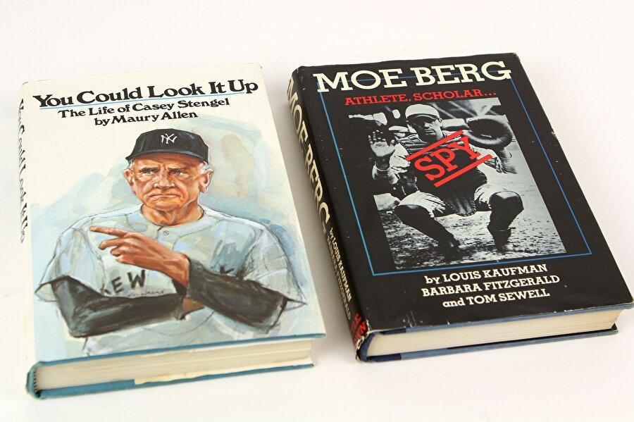 Moe Berg'in bu ilginç hayat hikayesi kitap olarak da basıldı.