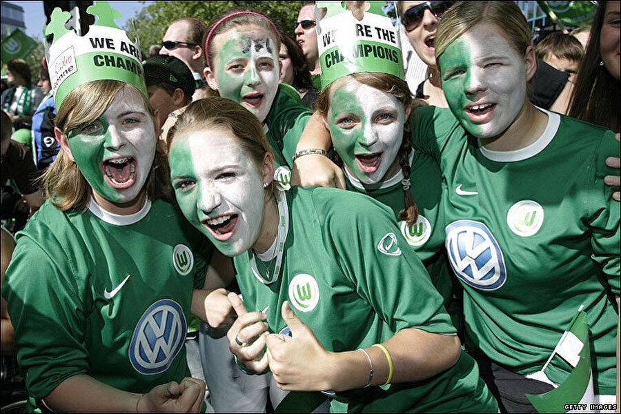 Wolfsburg'un büyük umutlarla kadrosuna kattığı Grafite beklentileri boş çıkarmadı 24 maçta attığı 11 golle takımının ligi 5. Sırada bitirmesini sağladı.