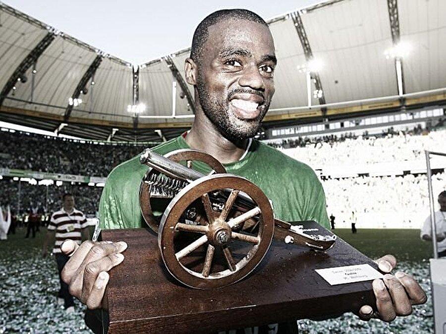 28 maça 31 gol sığdıran Grafite, hem gol kralı oldu hem de sezonun en iyi futbolcusu seçildi.