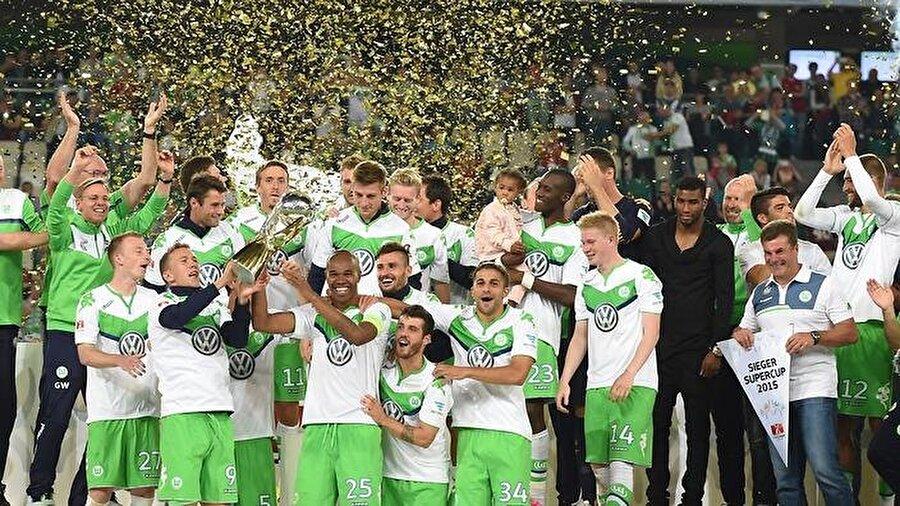Grafite'nin gelişiyle farklı bir kimliğe bürünen Wolfsburg, Bayern Münih'in hegemonyasına son vererek sezonu ilk sırada tamamladı ve tarihindeki ilk şampiyonluğunu yaşadı.