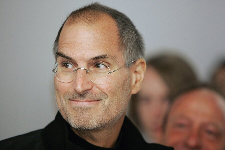 2006: Apple'ın değeri Dell'i geçti ve Steve Jobs bunu çalışanlarına gönderdiği bir e-postayla bildirdi.
