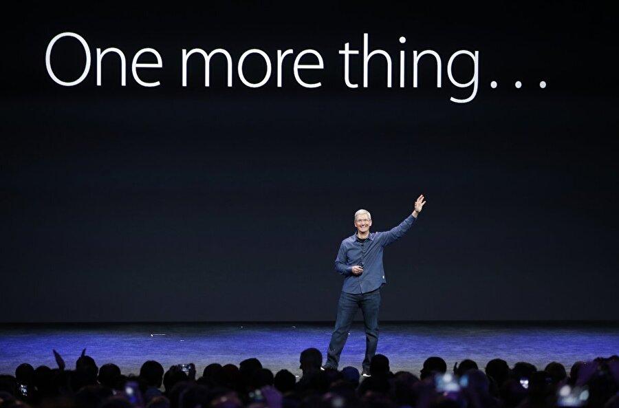 Tim Cook, Steve Jobs'ın ölümüyle kalıcı CEO olarak görevine devam etti. Şu an gelinen noktada Apple, Cook yönetiminde büyümeye devam ediyor...