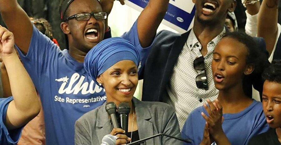 1982 senesinde dünyaya gelen Ilhan Omar aslen Somalili.