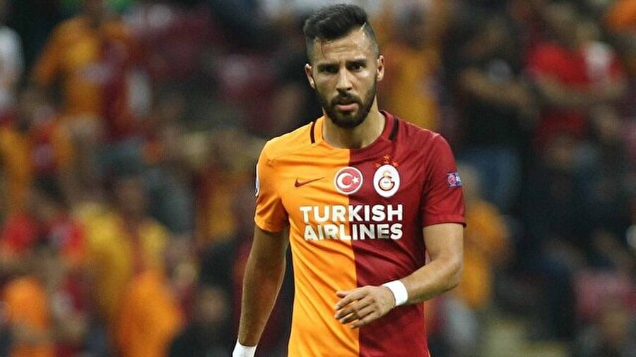 Yasin Öztekin - Trabzonspor                                      Savunmanın soluna Mas'ı, sağına Pereira'yı alan, stoper konusunda da Serdar Taşçı'yı bitirme aşamasına gelen Trabzonspor, bir sürpriz ismi de gündemine aldı. Ligin ilk yarısında skor üretme problemini en çok yaşayan takımlardan olan Bordo-Mavililer, Galatasaray'ın en golcü (7 gol 1 asist) ismi Yasin Öztekin için nabız yoklamaya başladı.      Cim Bom'da süresiz olarak kadro dışı bırakılan 29 yaşındaki futbolcunun şartlarını araştıran Karadeniz temsilcisi, ezeli rakibinin kapısını önce sezon sonuna kadar kiralama formülüyle çalacak. Fırtına, ayrıca eski oyuncusuna da Galatasaray'da kazandığı ücretin biraz üzerinde bir teklif yapıp fark yaratmayı planlıyor.