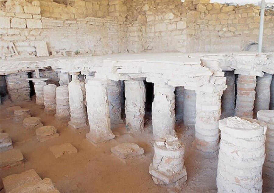 Kocamustafapaşa Tepesi İstanbul'un son tepesi ise Aksaray semtinden tarihi Bizans surlarına ve Marmara sahiline kadar uzanan bölgedir. Bizans döneminde Arkadyus Forumu günümüzde Cerrahpaşa olarak bilinen yer bu bölgededir.