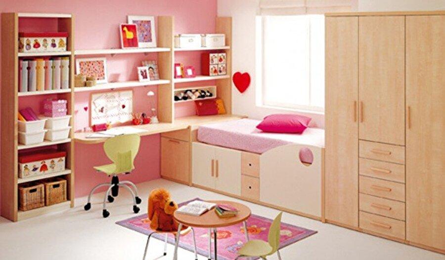 Her odaya farklı ısı                                                                                                                                                      Her oda farklı ısı da olabilir. Çocuk odalarını, yatak odalarını farklı sıcaklıkta tutabilirsiniz; bunu ayarlayabilmenin en sağlıklı yöntemi termostatik vanalar.