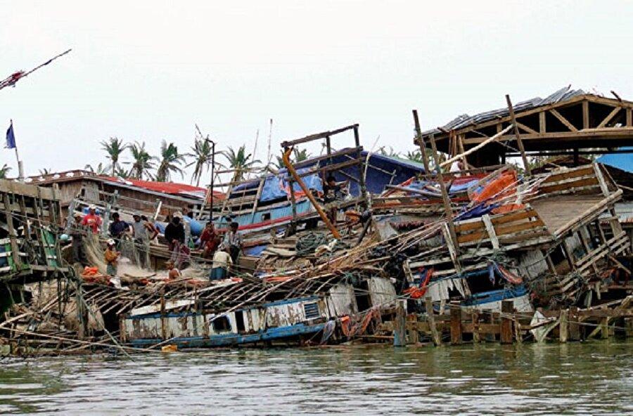 Nargis Kasırgası                                      Myanmar'da 2 Mayıs 2008 yılında gerçekleşmiştir. Ve tüm tarihin bilinen en büyük ve en ölümcül kasırgası olarak kabul edilmiştir. Hayatını kaybedenlerin sayısı dudak uçuklatacak seviyededir. 80.000 üzerinde ölü 50.000'in üzerinde ise kayıp bulunmaktadır.