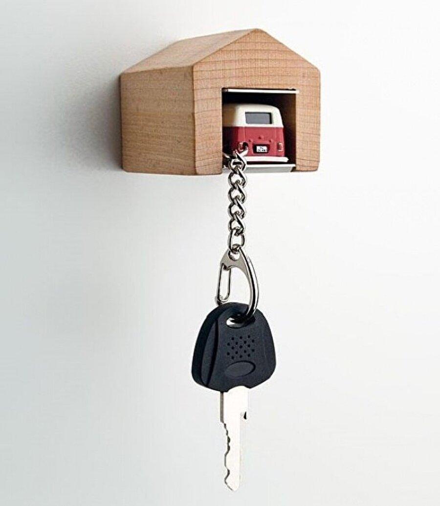 Araba değil, anahtar garajı                                                                           Bu eğlenceli tasarım araba ve motor tutkunlarına özel.
