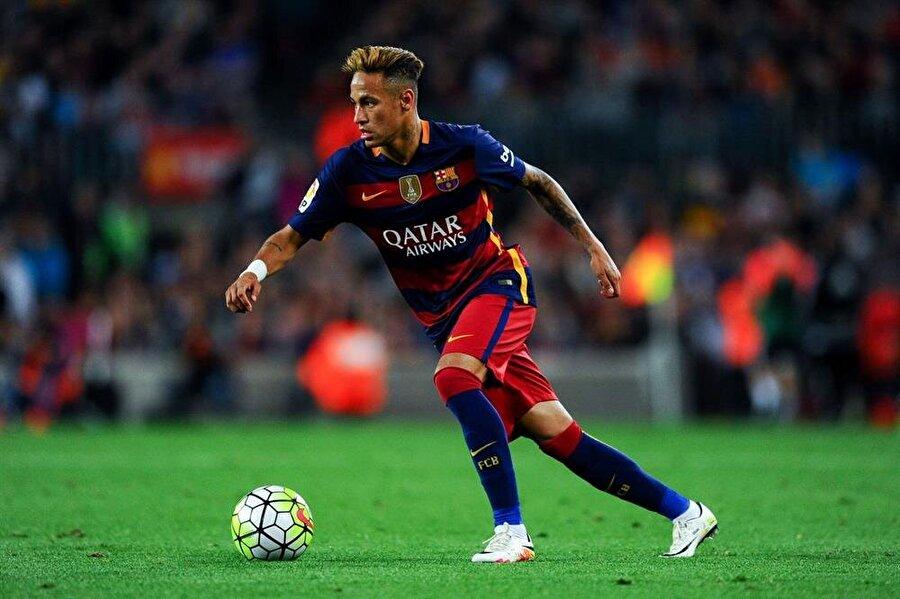 Neymar / Barcelona (217 milyon sterlin)
