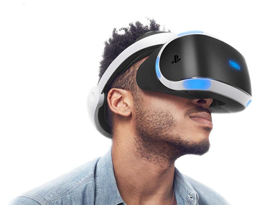 Üstelik güncellemeyle sunulan yenilikler bununla da sınırlı değil. Artık 3D filmler doğrudan PlayStation VR başlığı sayesinde stereoskopik 3D şeklinde izlenebilecek. Basite indirgenen bildirimler ve özel duvar kağıtları da güncellemenin notları arasında yer alıyor.