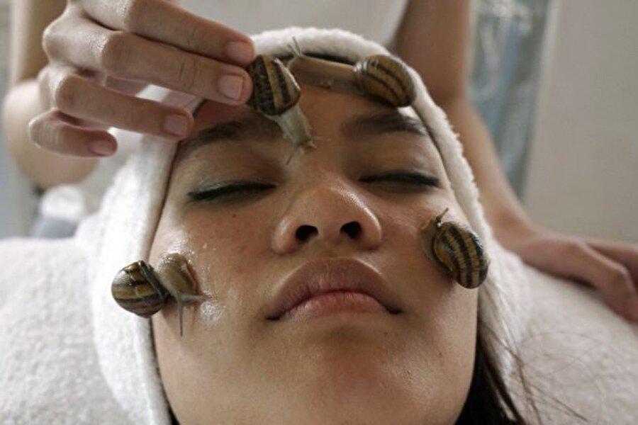 Salyangoz maskesi Güzellik için bu kadarına tahammül edebilir misiniz?    (Kaynak: listverse.com)