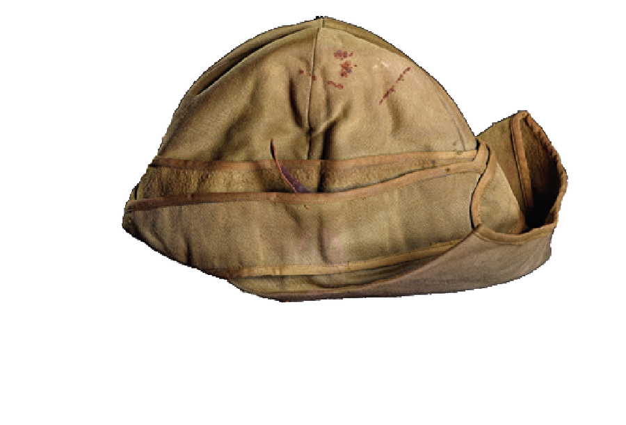 Enveriye şapkaları  1. Dünya Savaşı'nda Osmanlı askerlerinin kullandığı Enveriye şapkaları. Kût'ul-Amâre'de de bu başlıkların kullanıldığını söyleyebiliriz. Üzerlerindeki kan lekelerinden Osmanlı askerlerinin nasıl kahramanca çarpıştığı anlaşılır. Bu şapkalar bize onları hatıra olarak yanlarında götüren İngiliz askerlerinden ulaştı. Ne yazık ki Türkiye'den koleksiyonlara intikal eden savaş objelerinin sayısı oldukça kısıtlı.