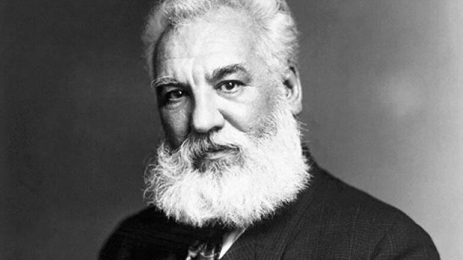 Telefonu icat eden Graham Bell, İskoçyalıdır.