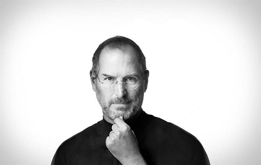 Dünyanın en büyük teknoloji şirketinin kurucularından Steve Jobs ise Amerika vatandaşı olsa da aslında Suriyeli bir göçmen ailenin çocuğudur.