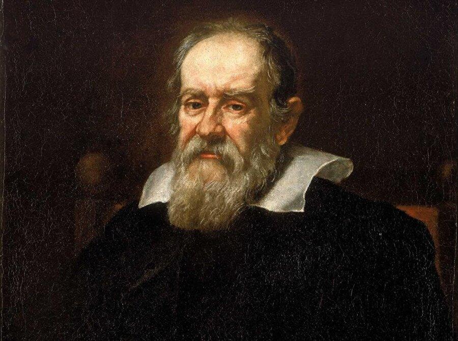 """""""Gözlemsel astronominin babası"""" olarak kabul edilen Galileo Galilei ise Pisa doğumlu bir İtalyandır."""