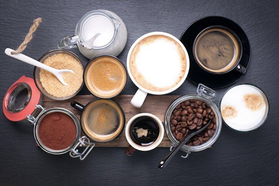 Günlük limit 400 miligramı aşmamalı! Daily Mail'in haberine göre; Avrupa Gıda Güvenliği Ajansı tarafından yapılan açıklamaya göre, günlük kafein limiti 400 miligramı aşmamalı. Öte yandan, uzmanlar ve bilim insanları günde dört bardaktan fazla kahve içmenin sağlıklı insanlar için bile tehlikeli olabileceğini belirtiyor.