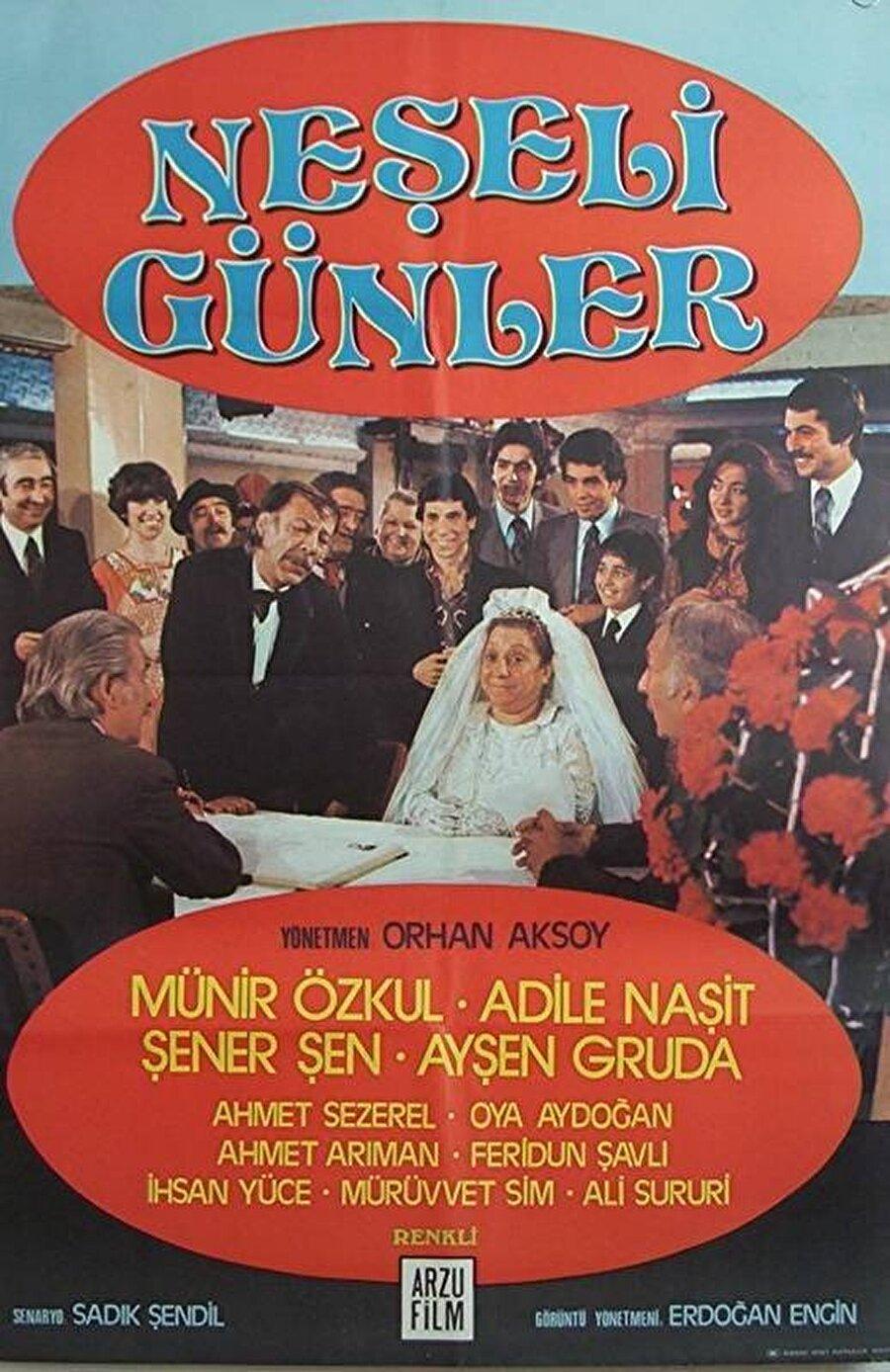 Film için ise 2 ayrı afiş kullanılmıştır. 1. afiş nikah masası sahnesinden oluşmaktadır.
