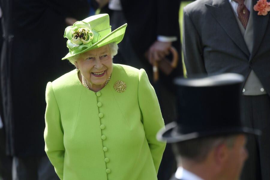 Habertürk'ün haberine göre bu gelenek, Birleşik Krallık'ta halk tarafından seçilen Avam Kamarası'nın monarşiden bağımsızlığını simgeliyor. İngiltere'de oldukça ciddiye alınan bu kavram aynı zamanda Kraliçe'ye, devletin başı olabilirsin ancak hükümetin başı değilsin mesajı veriyor.                                      Kapı 3 kere çalındıktan sonra ise Avam Kamarası üyeleri, Lordlar Kamarası'na Kraliçe'nin konuşmasını dinlemeye gidecek. Kraliçe'nin Avam Kamarası'na ayak basmasına izin verilmediği için konuşmalar Lordlar Kamarası'nın salonunda yapılıyor.