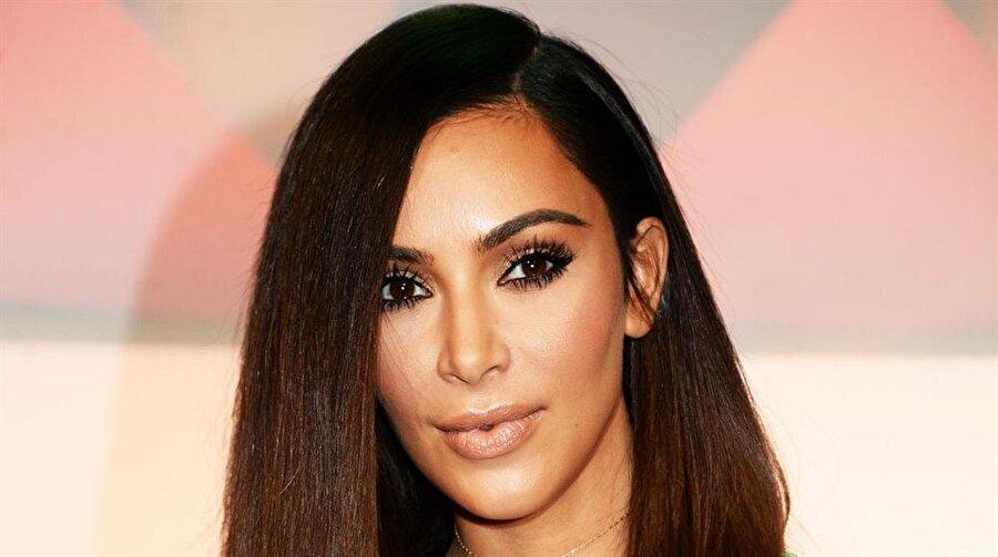 Kim Kardashian                                      Sahte İsmi: Princess Jasmine