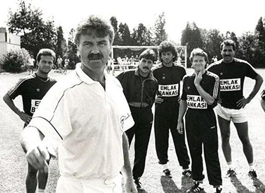 1990 / Hakan Tecimer, Guus Hiddink, Müjdat Yetkiner, Hasan Kemal Özdemir, Erdi Demir, Yaşar Duran (Fenerbahçe)