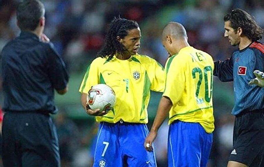 2003 / Ronaldinho, Alex de Souza ve Rüştü Reçber aynı karede.