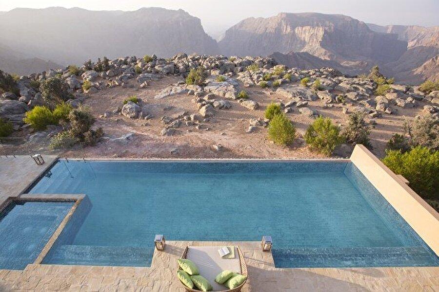 Anantara Al Jabal Al Akhdar Tatil Köyü, Umman                                      Gecelik: 17.000 $
