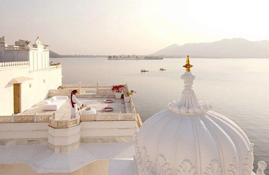 Taj Lake Palace, Udaipur, Hindistan                                      Gecelik: 23.000 $