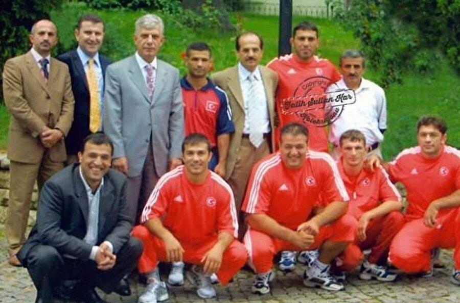 2007 yılında ise Türkiye Güreş Federasyonu Başkanlığına seçildi.