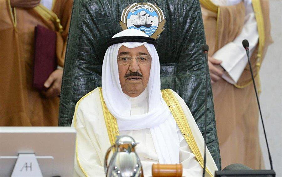 19. yüzyılda El Sabah ailesinin kontrolünde Osmanlı İmparatorluğu'nun hakimiyetine giren Kuveyt, halen bu ailenin başındaki emir tarafından yönetiliyor.